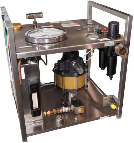 Hydratron luftdreven hydraulisk pumpe på en ramme av stål