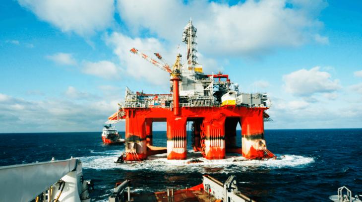IKM Laboratorium på vei ut for å kalibrere på en offshore oljeplattform