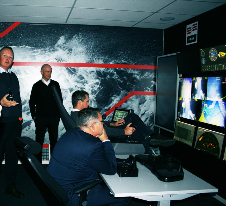 Olje og energiminister Freiberg - IKM Subsea_onshore control rom