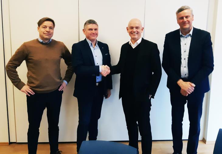 IKM kjøper SolidTech